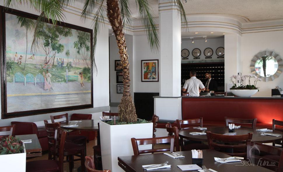 Den trivsamma lobbyn på Hotel Avalon .