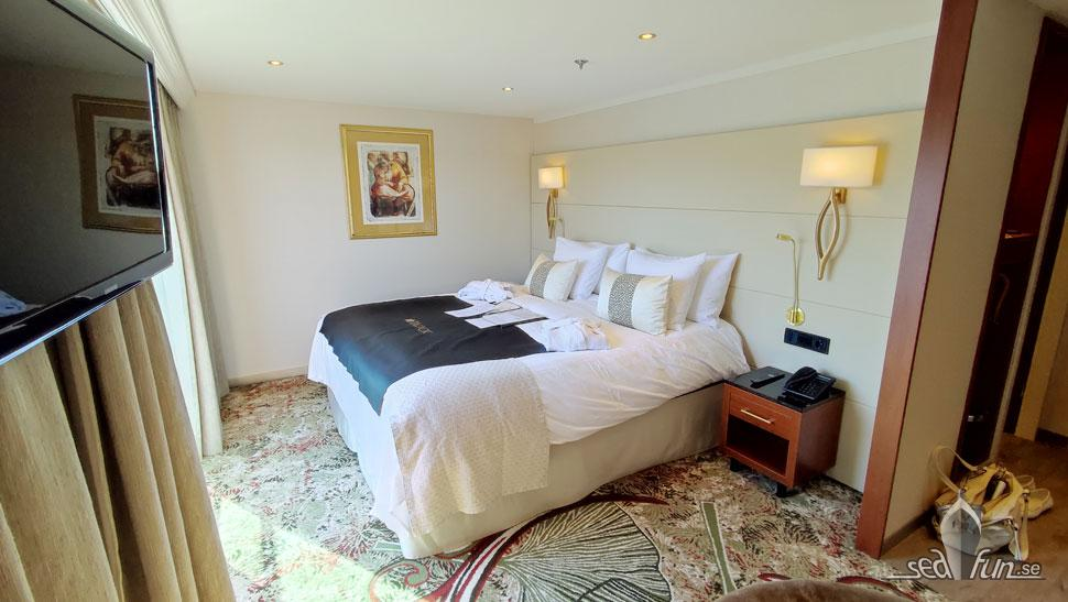 Master Suite bed